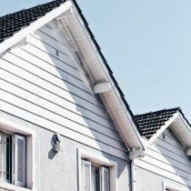 Lägg nytt tak med hjälp av en proffsig plåtslagare